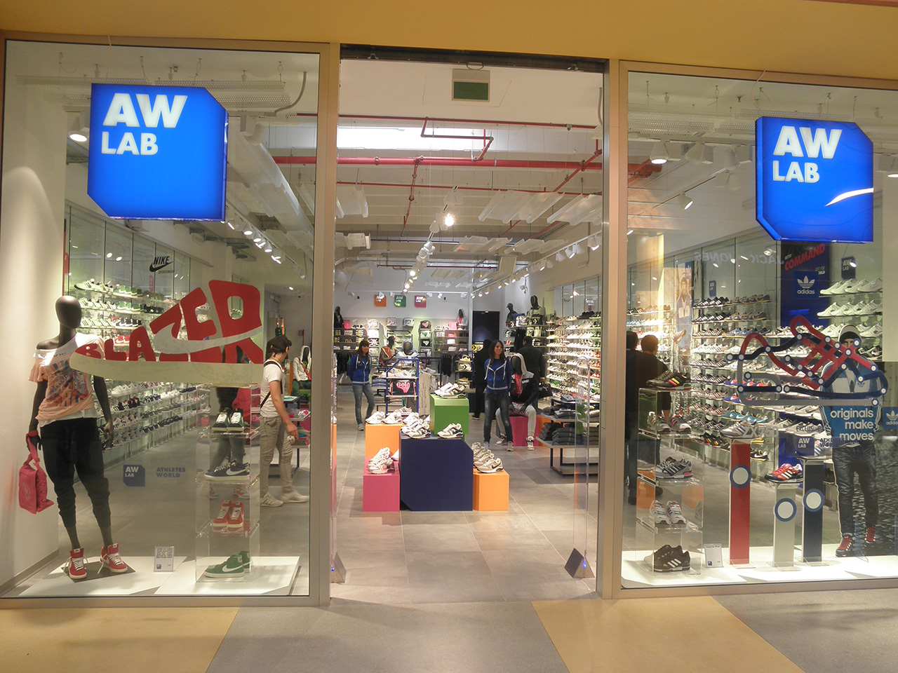 Tecna Spa projects: the AW Lab store in Palermo